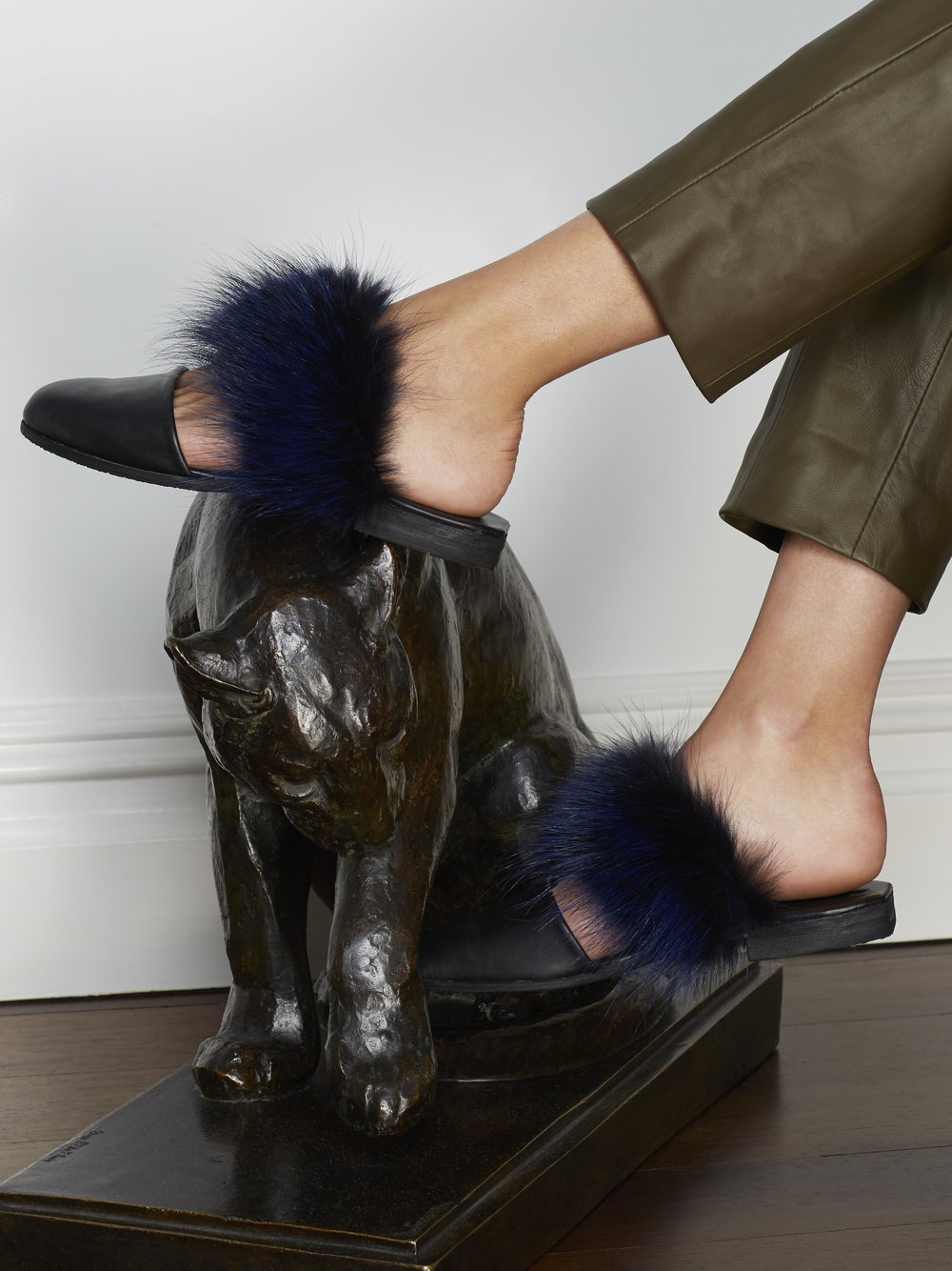 Parme Marin F TOED Furry Slides $370