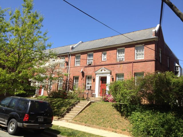 $ 1995 - 3911 W Street, NW, 2BR/1BA, Available now