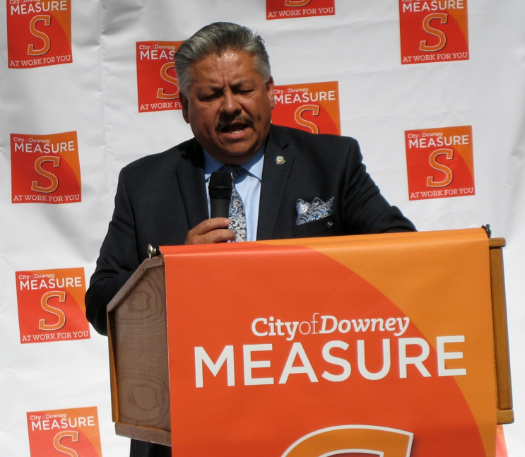 Mayor Rick Rodriguez speaks at a Downey City Library groundbreaking celebration. Photo by Lorine Parks