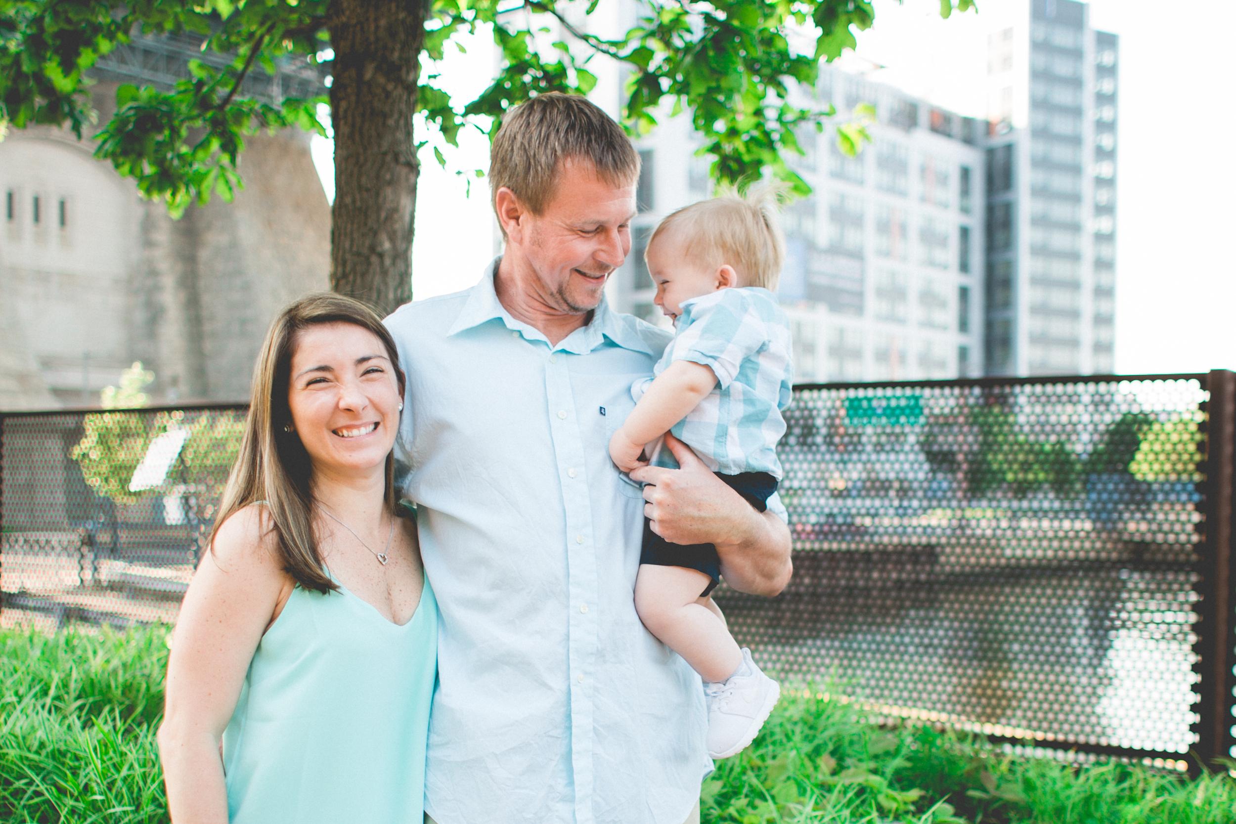 philadelphia, race street pier, baby photoshoot, family photoshoot, philadelphia, PA, fathers day present