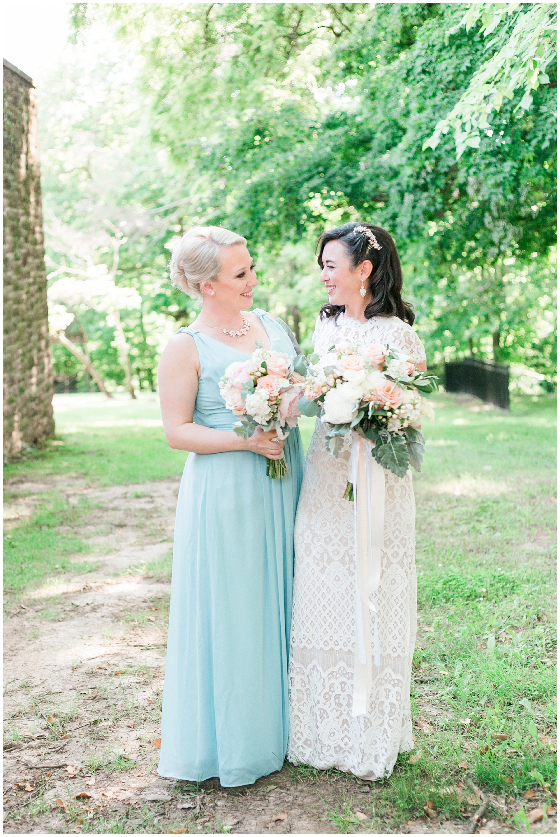 Tyler Gardens light and airy lush green wedding photographer