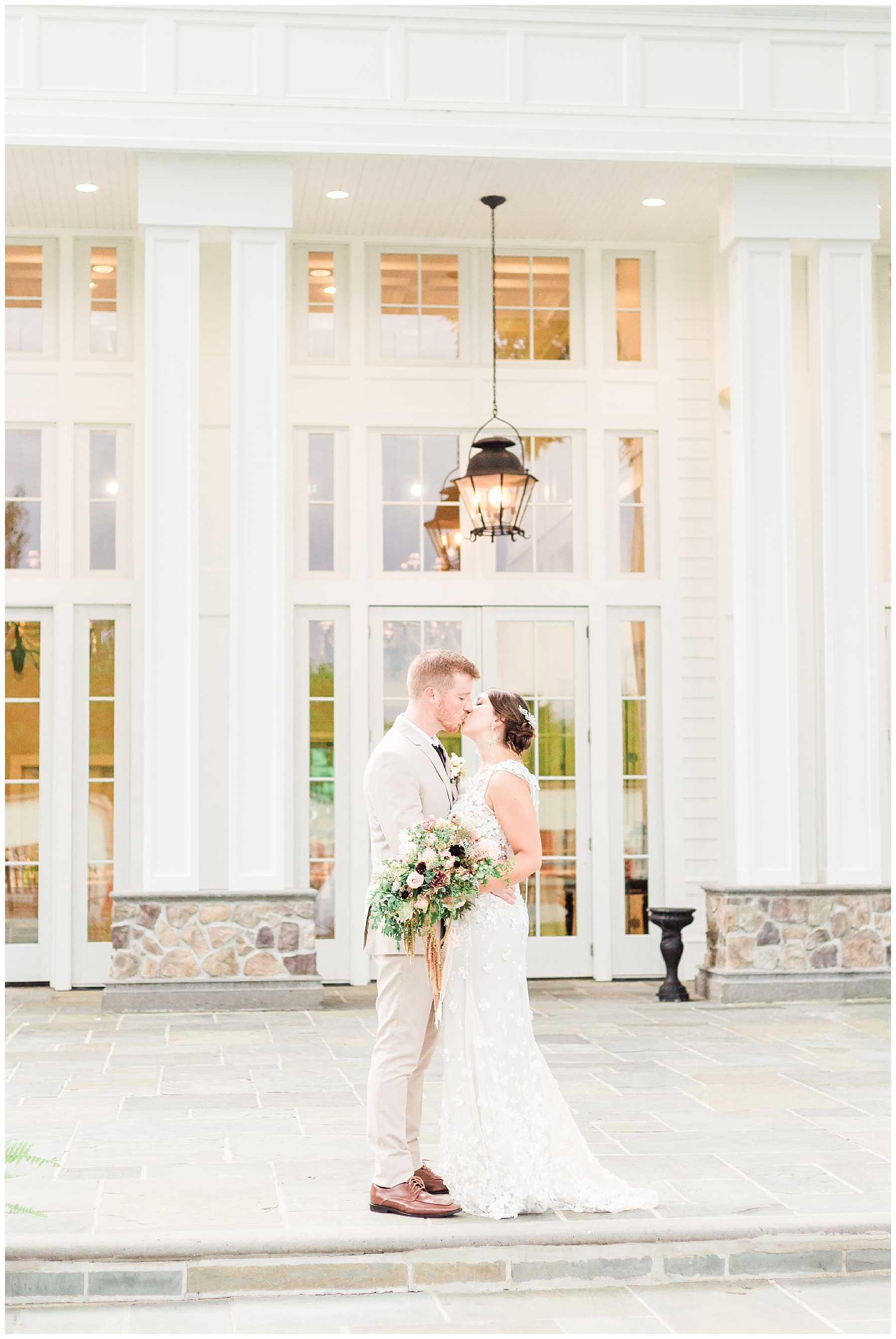 Classy Ryland Inn light and airy wedding photographer
