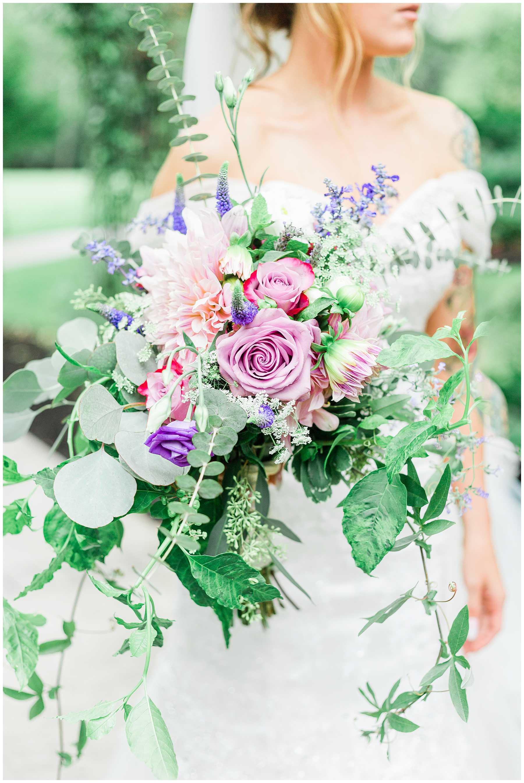 Colorful Light and Airy Wedding | Moonstone Manor