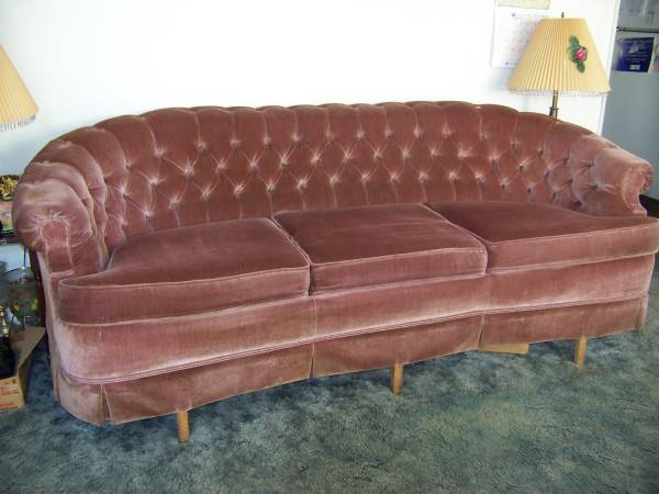 Craigslist Velvet Tufted Sofa