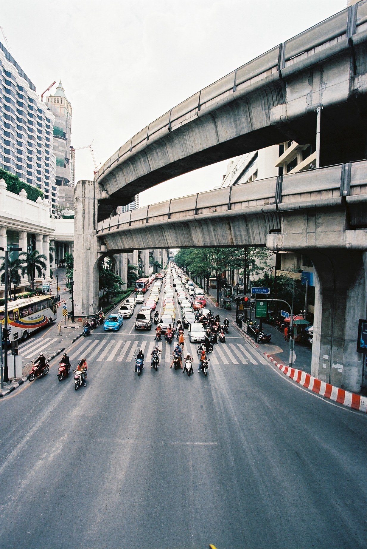 Ektar 100 | Busy streets of Bangkok