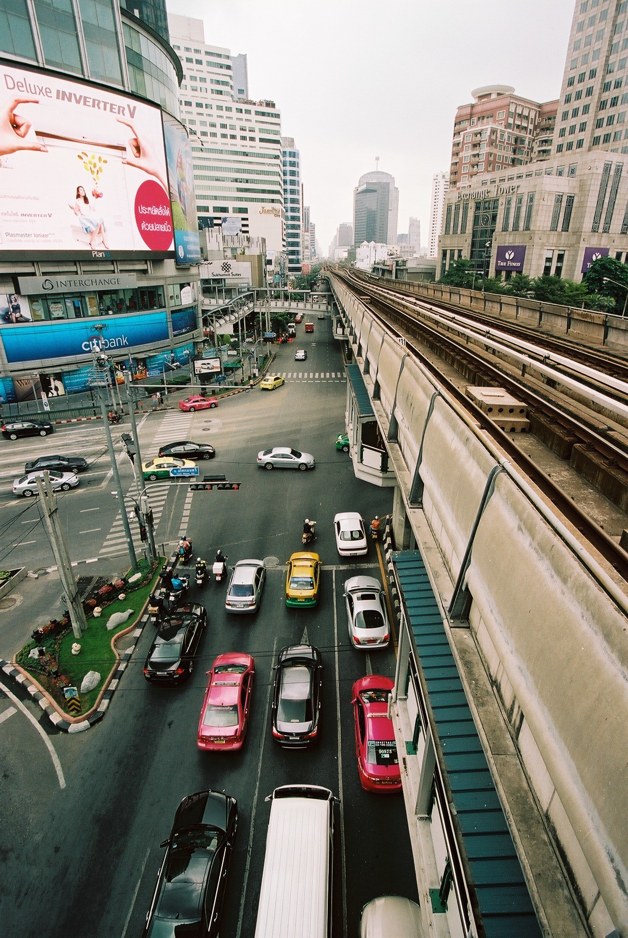 Portra 160 | Another shot from the BTS platform. These platforms are made for photographers! :)