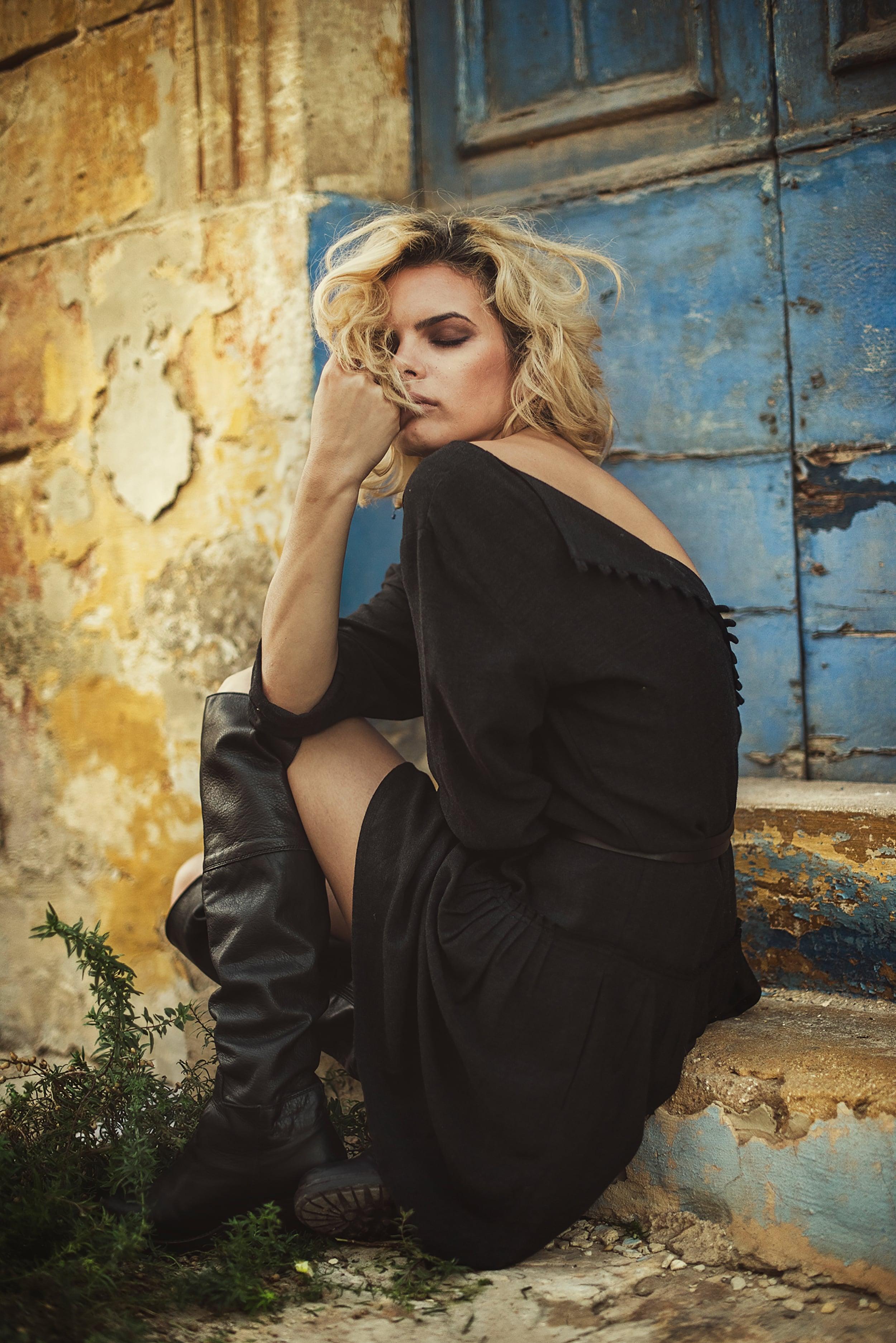 looks_like_film_10questions_interview_cristina_venedict_fine_art_romania