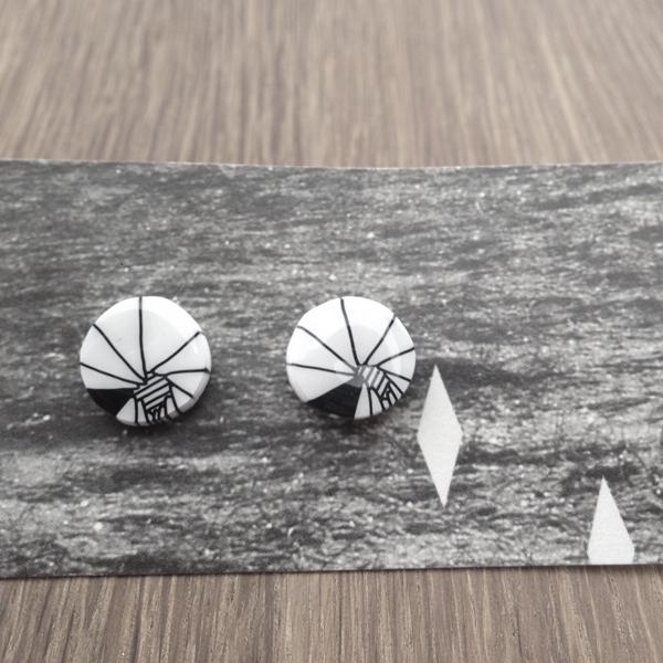 03_earrings_web.jpg