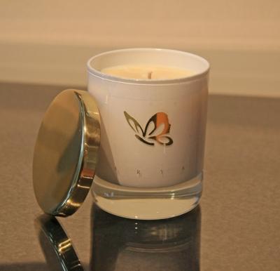 white and gold natural Arya candle