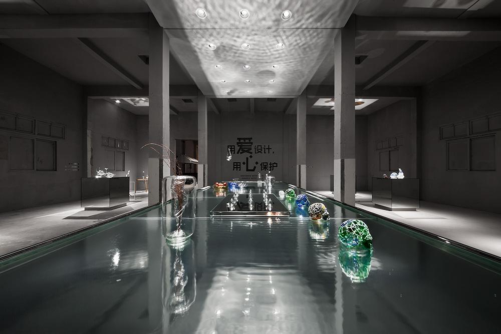 KEEP IT GLASSY - Shanghai Museum of Glass - China - 2013