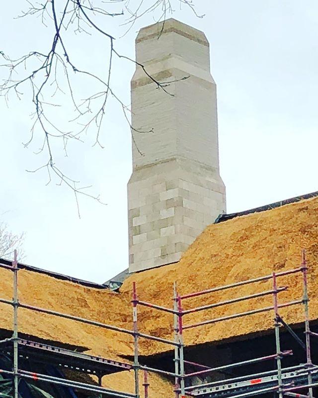 Straw , müshel stone and limed brick , residence M. -#BDC