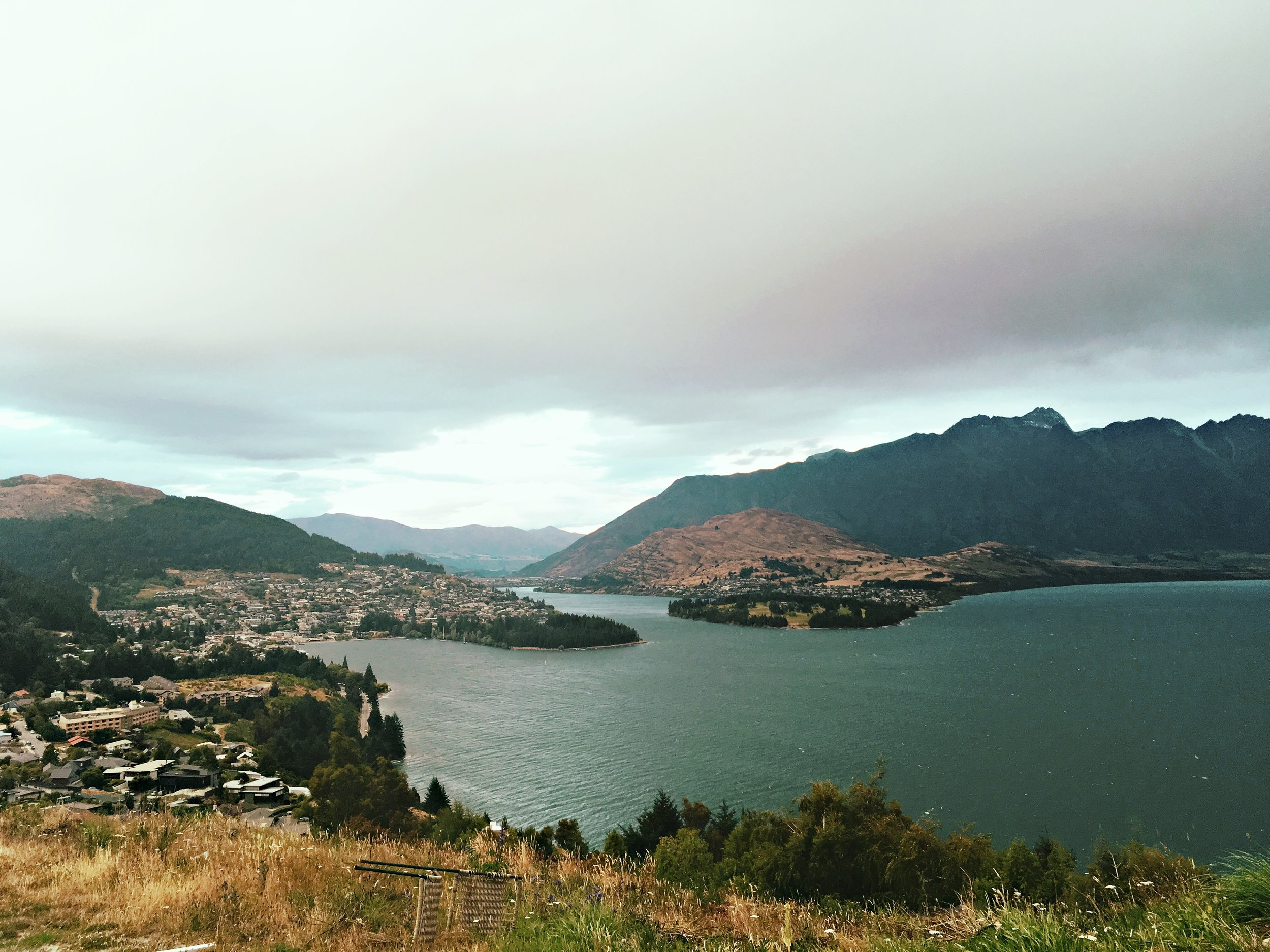 Small lookout to Queenstown