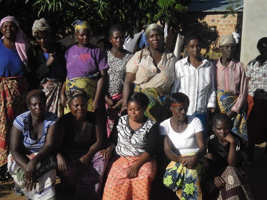 WOMENS+GROUP.jpg