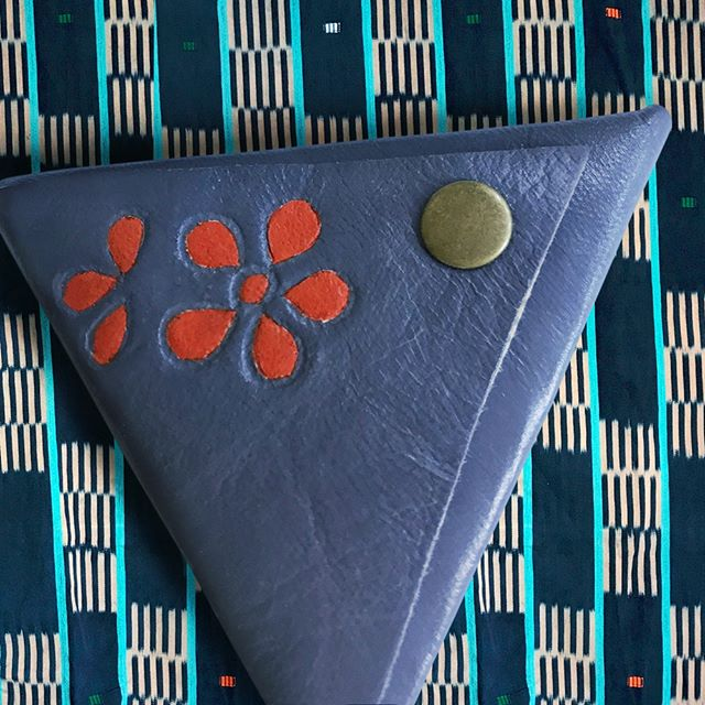 Here's a peak at one of the beautiful artisan items featured in our October Morocco box! This handmade leather coin purse was made by the incredibly talented young artisan, Fatima, and is a perfect accessory to keep in your purse for convenient storage. 👌Subscribe through the link in our bio! . . . #wanderkarma #artisangoods #artisan #fairtrade #highquality #travel #adventure #explore #wander #wanderlust #subscriptionbox #travelbox #getlost #traveltheworld #globalgoods #traveladvice #artisanmade #handmade #aroundtheworld #letswander #roam #freespirit #coinpurse #accessory #morocco #moroccan #moroccanartisan #leather #handmadecoinpurse #october