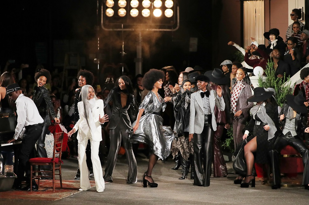 Showtime at the Apollo: Hilfiger's FW19 show in Harlem. (Photo: fashionista.com)