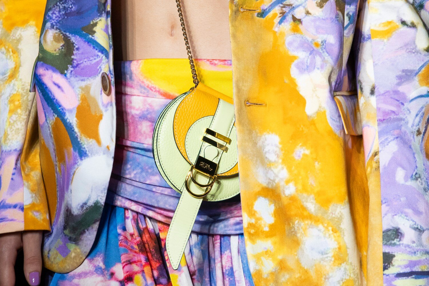 Details at Peter Pilotto SS20 reflect the psychedelic atmosphere and were a nod to Counterculture.