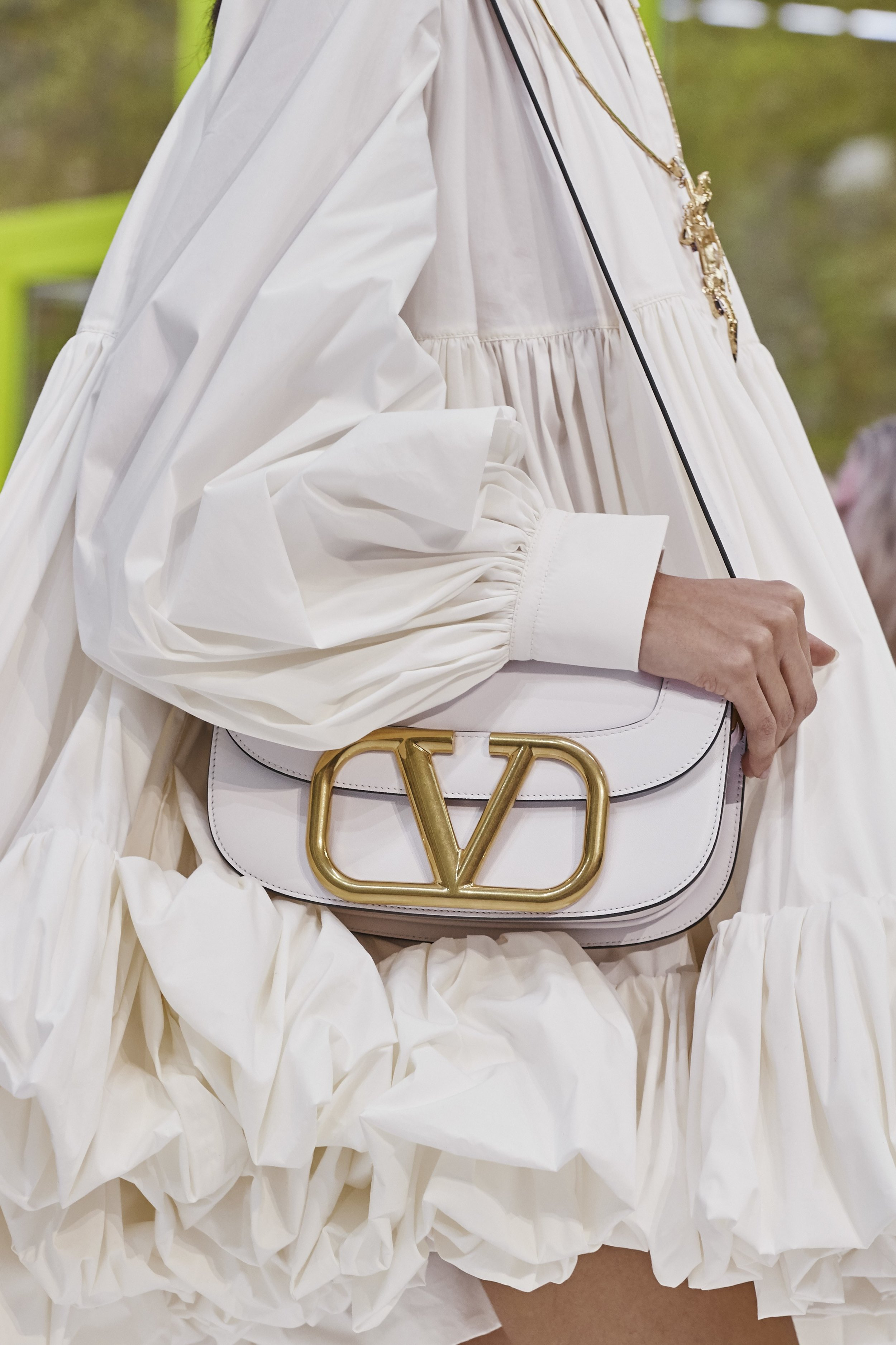 Details at Valentino SS20 by Pierpaolo Piccioli. Photo: theimpression.com