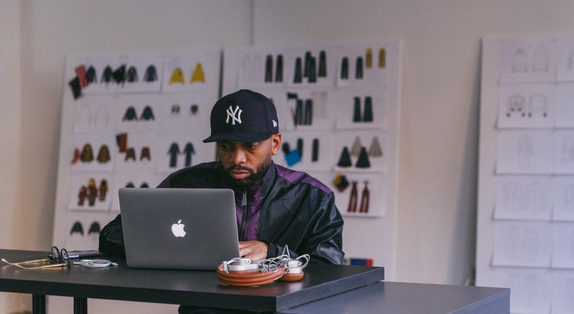Jean-Raymond at work in his studio. (Photo: hero-magazine.com)