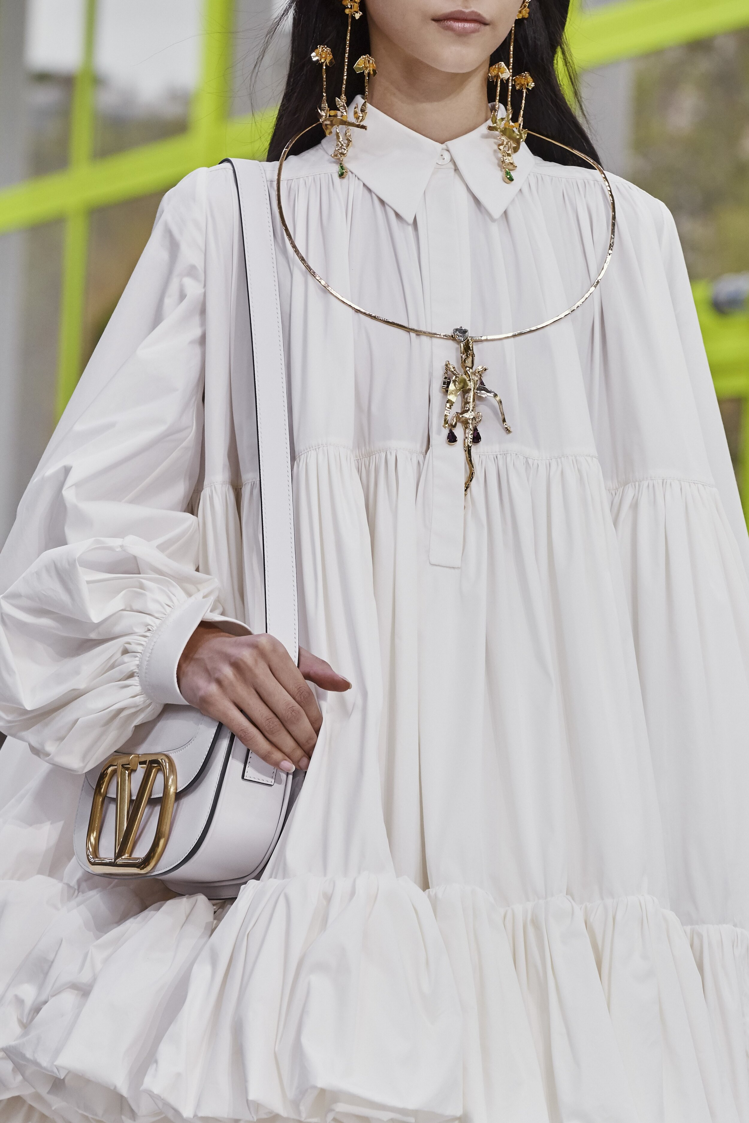 Details at Valentino SS20 by Pierpaolo Piccioli. (Photo: theimpression.com)