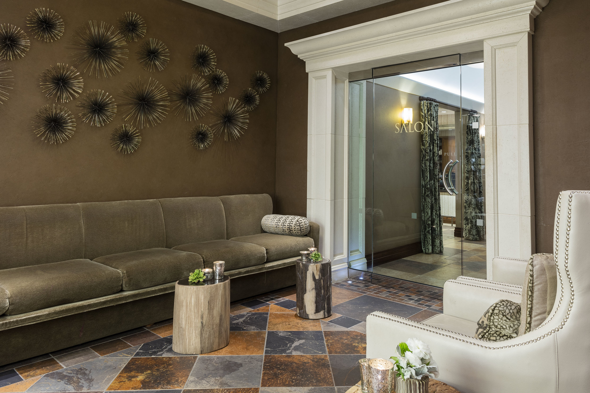 Salon Entrance & Waiting Area