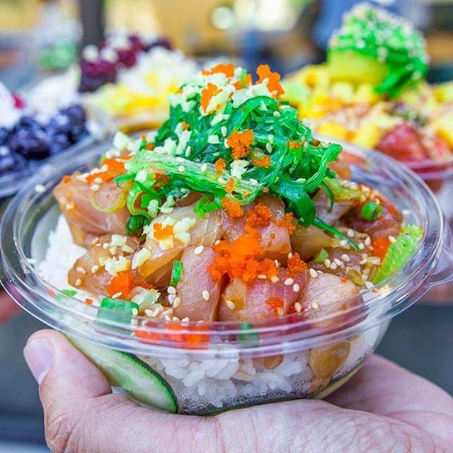 A bowl of poké from North Shore is something you'll never regret! 💕 #northshorepoke 🐟