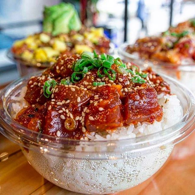 It's the last weekend of 2017! End the year with some authentic, Hawaiian style poké from us! 😋🙌🏼 #northshorepoke 🐟