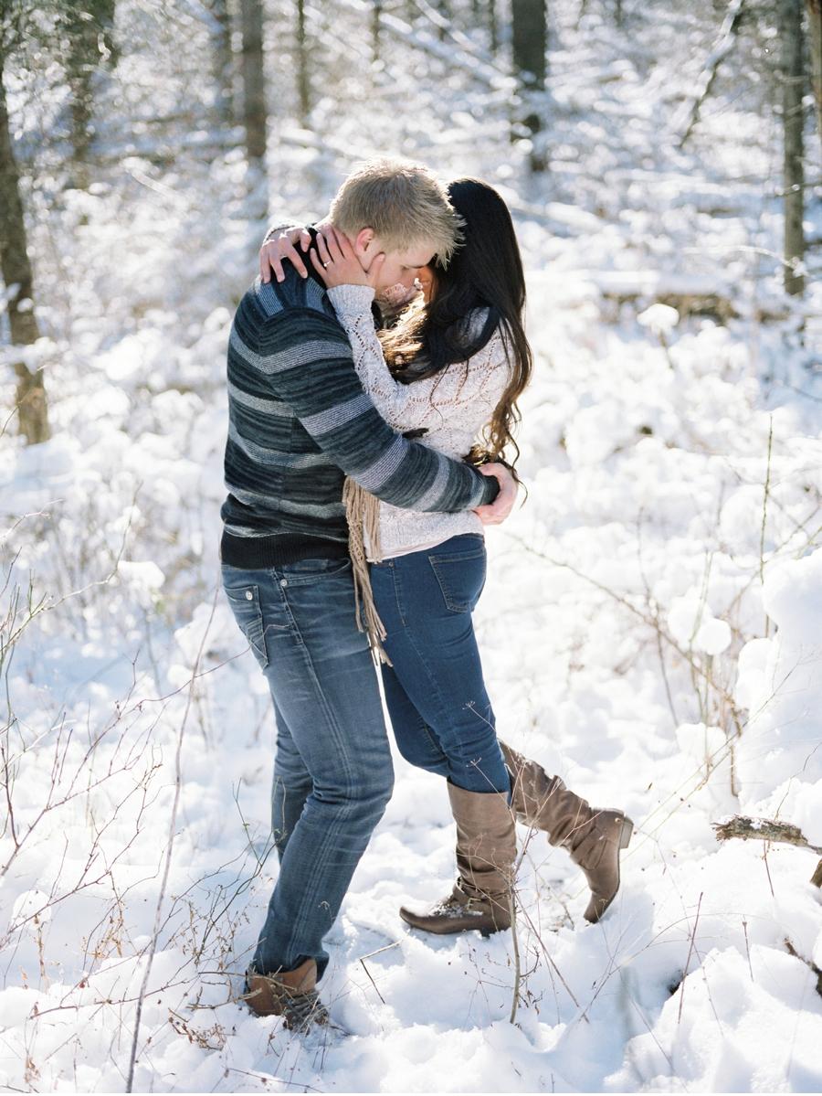 Winter-Woodland-Engagement-Session