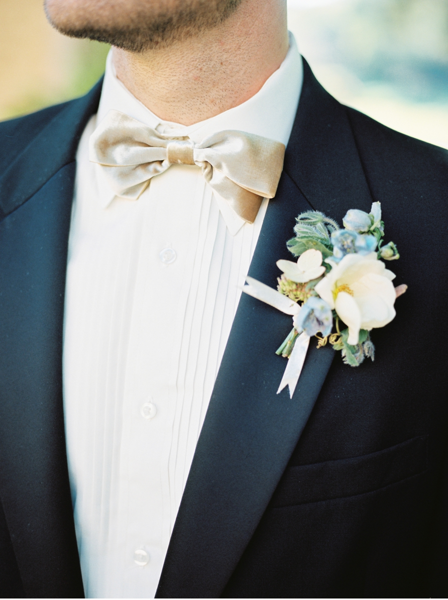 Groom-with-champagne-bow-tie