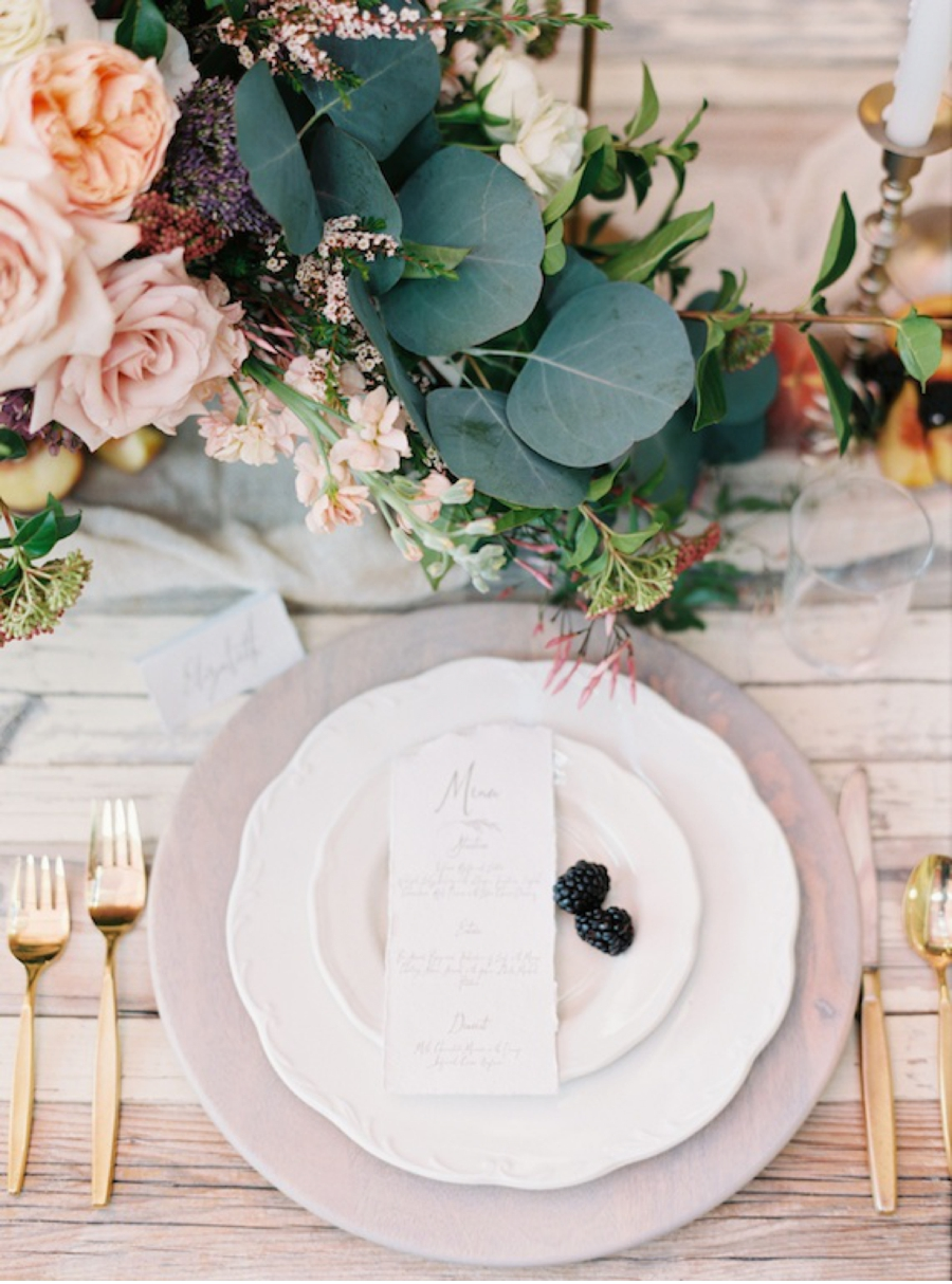 Spring-Table-Setting-Wedding-Inspiration