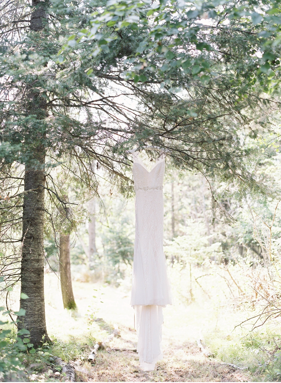 Wedding-Gown-in-Forest