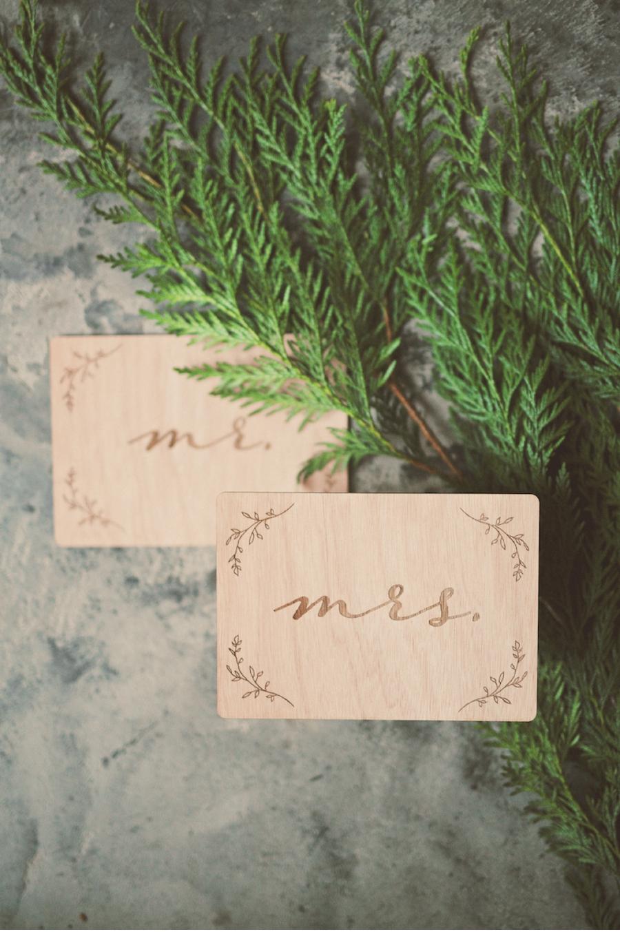 Wooden-Wedding-Labels