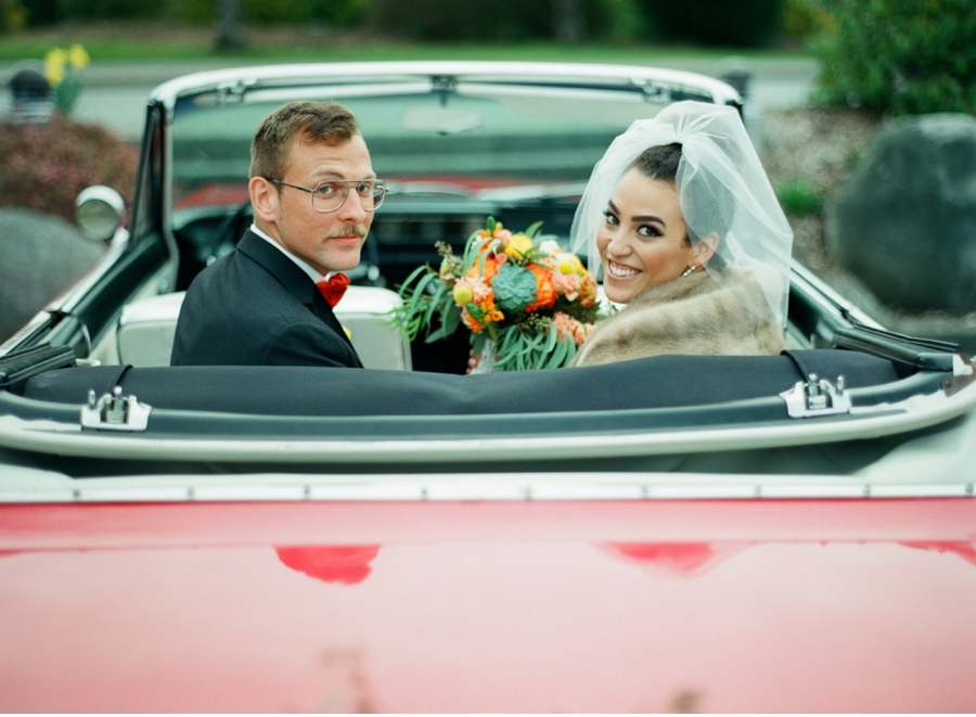 Vintage-Getaway-Wedding-Car