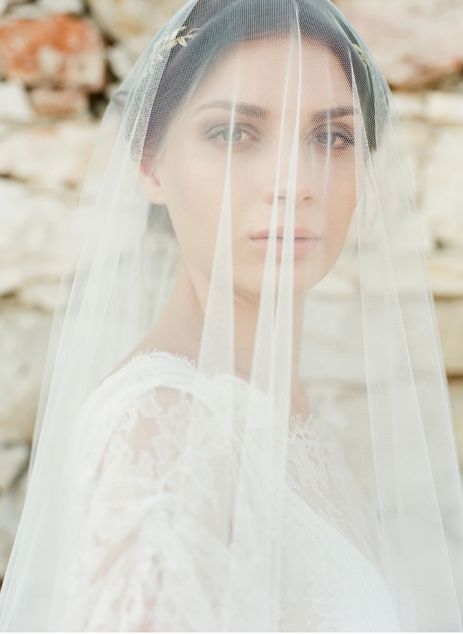 Bride-with-Veil-Greek-Styled-Shoot
