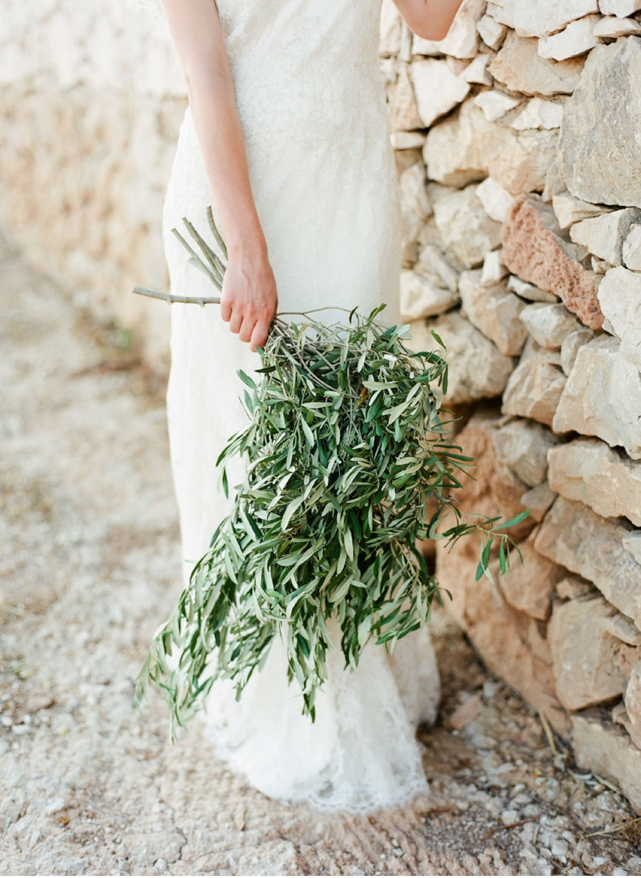 Bridal-Bouquet-of-Olive-Boughs