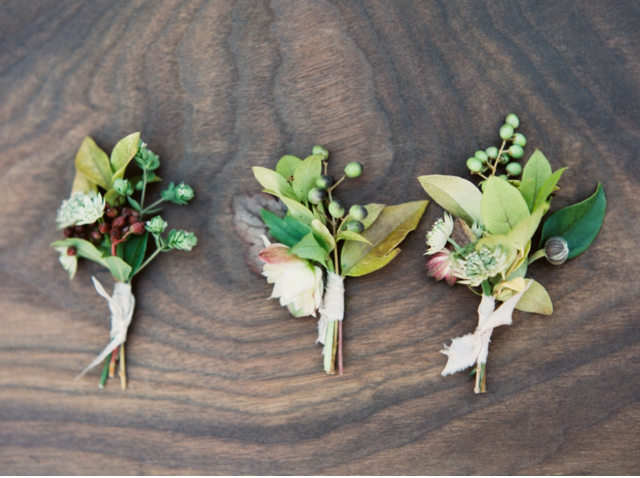 Earth-Inspired-Wedding-Boutonnieres
