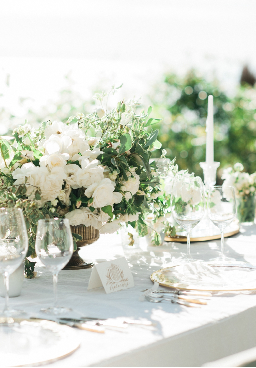 White-and-Green-Wedding-Tablescape