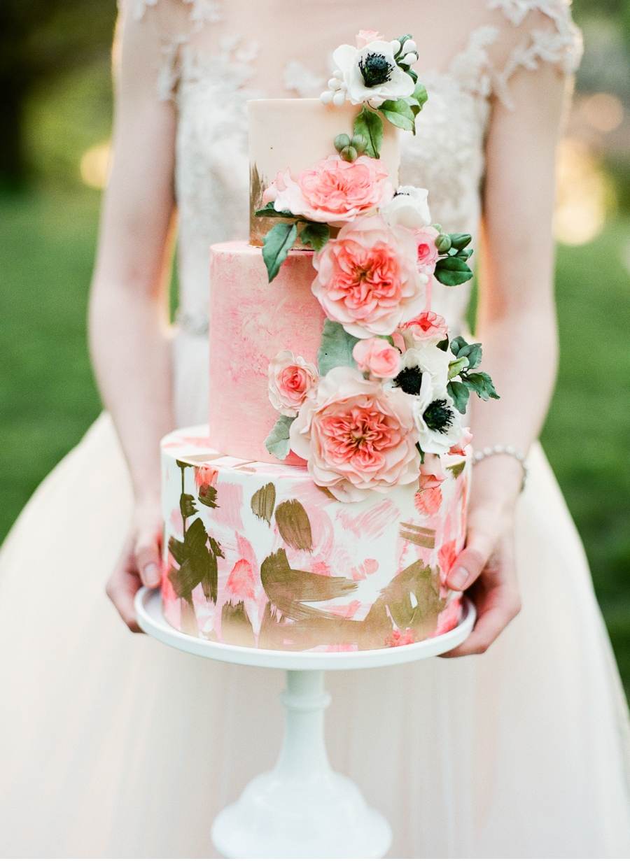 Pink-and-Gold-Wedding-Cake