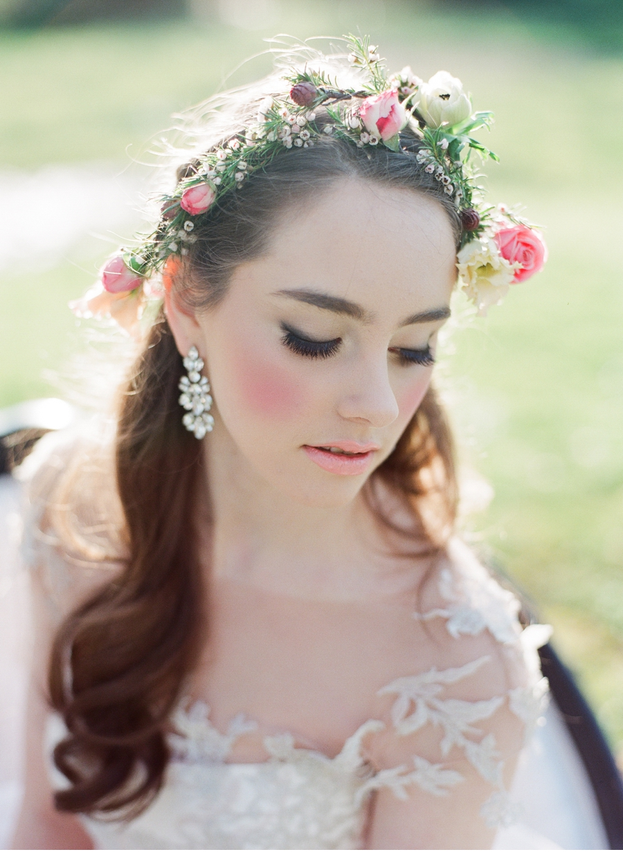 Floral-Hairpiece-for-Bride