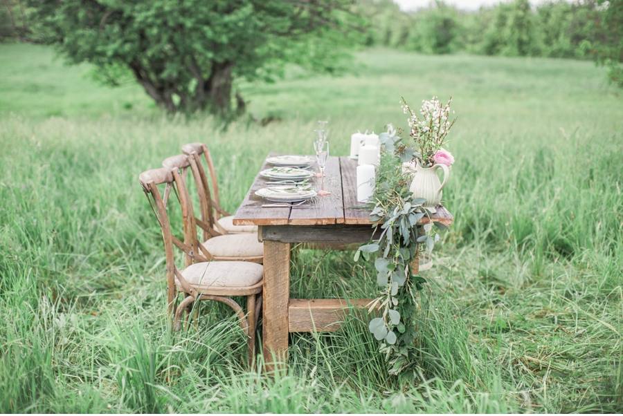 Spring-Meadow-Wedding-Inspiration