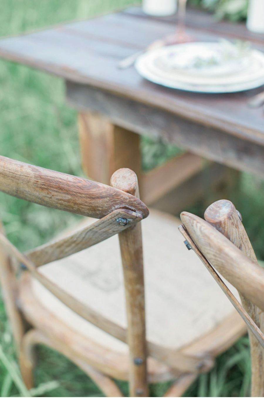 Rustic-Table-Setting-for-Wedding