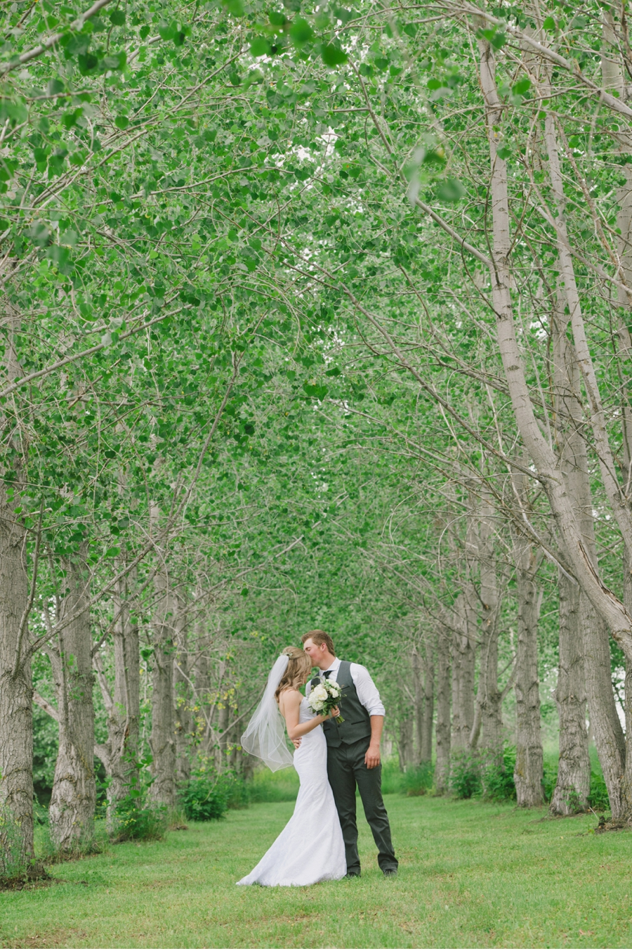 Bride-and-Groom-Country-Wedding