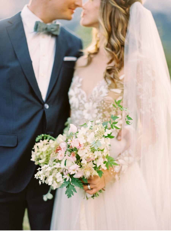 Soft-Organic-Wedding-Inspiration