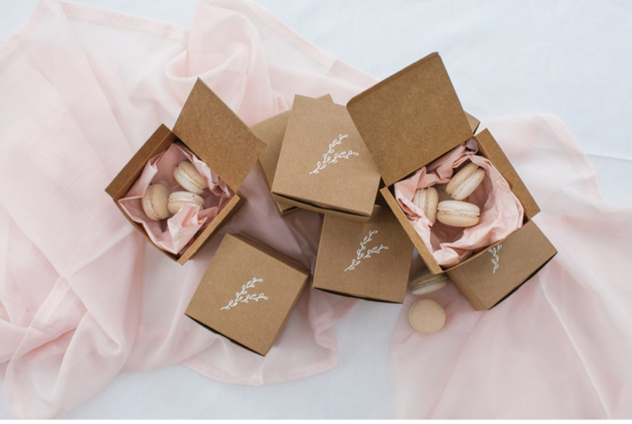 Pink-Macarons-Wedding-Favor