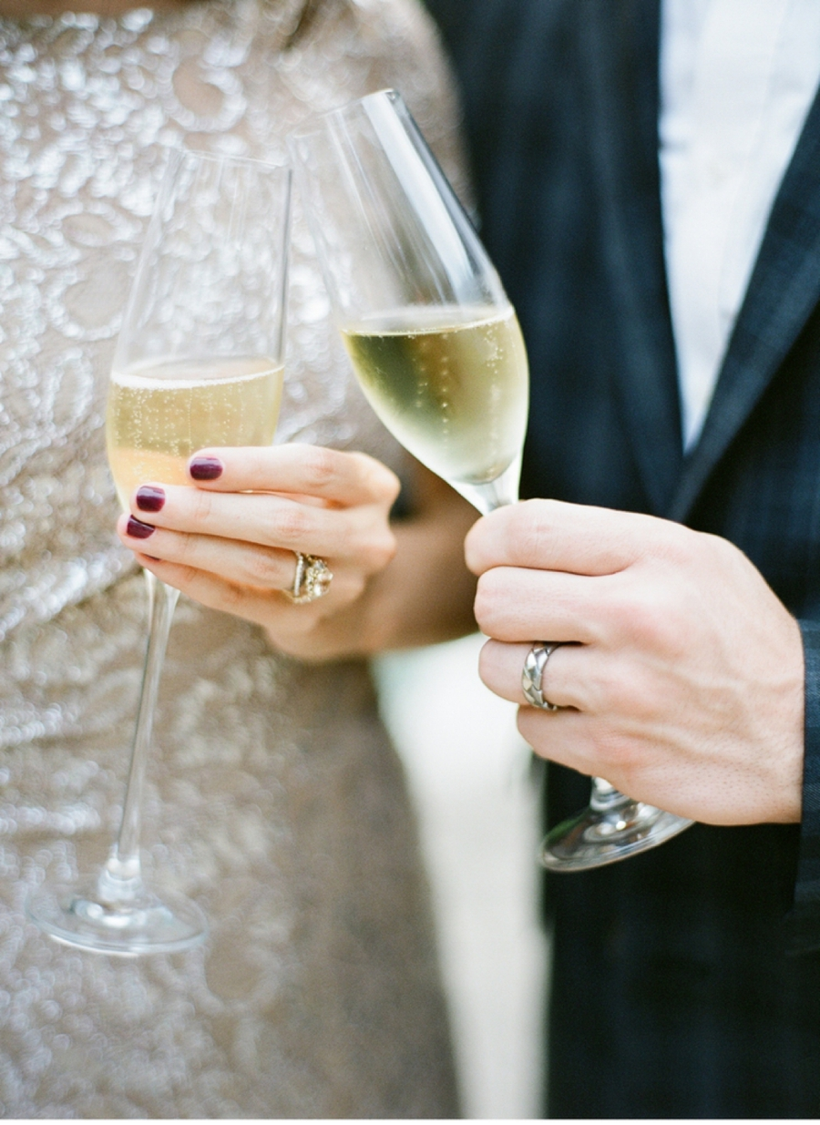 Champagne-Glasses-with-Wedding-Rings