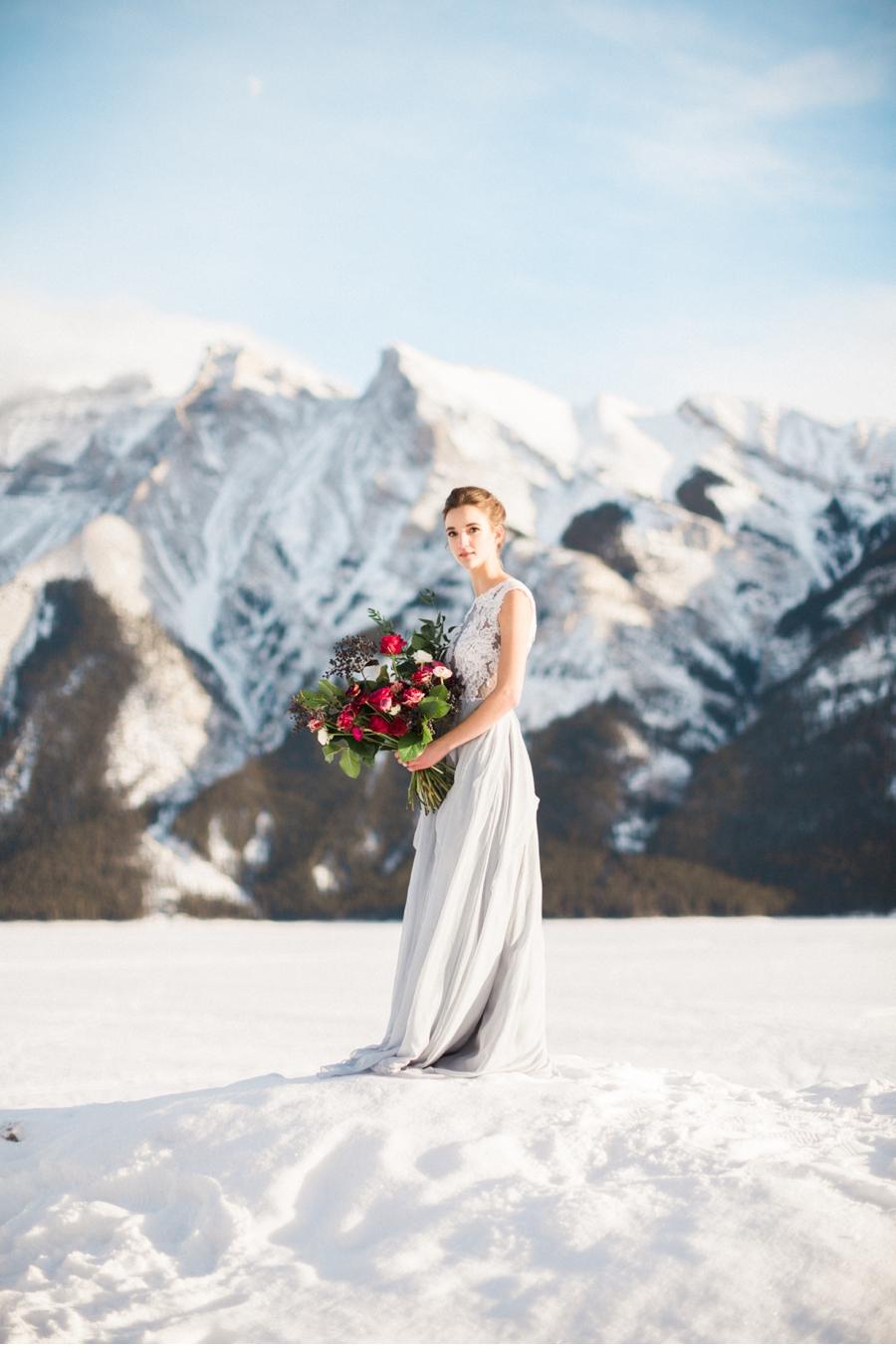 Lake-Minnewanka-Winter-Bridal-Look