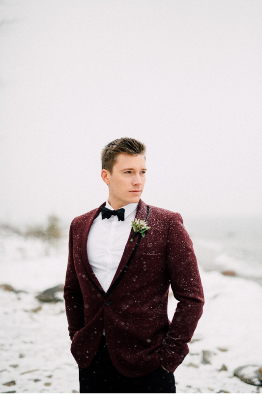 Groom-Style-Winter-Wedding