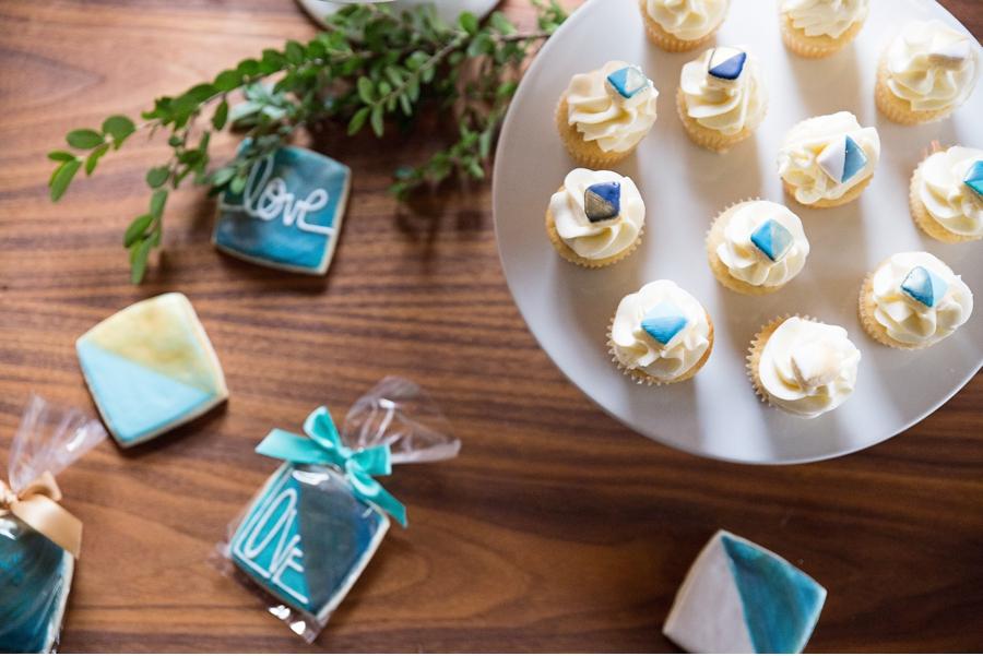 Jewel-Toned-Wedding-Desserts