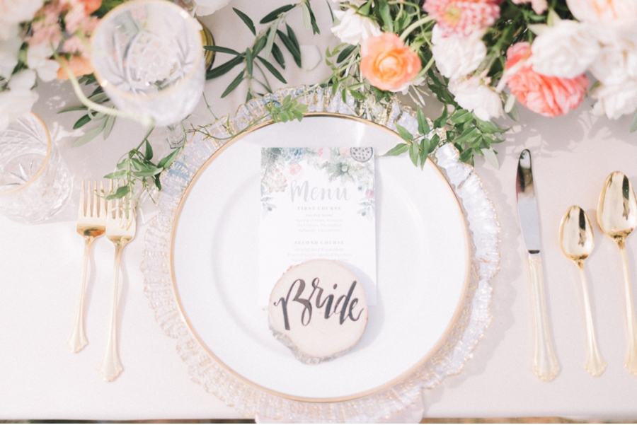 place-setting-peach-green-gold