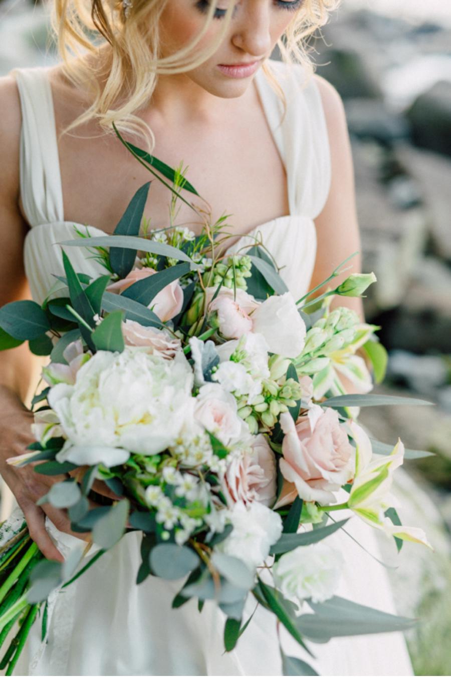 Coastal-Wedding-Looks