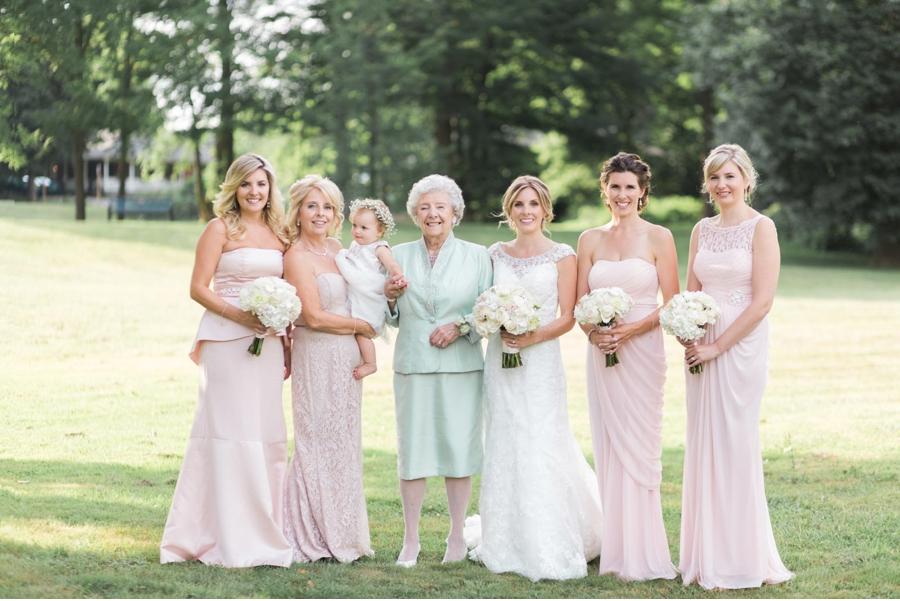 Bride-with-Wedding-Party